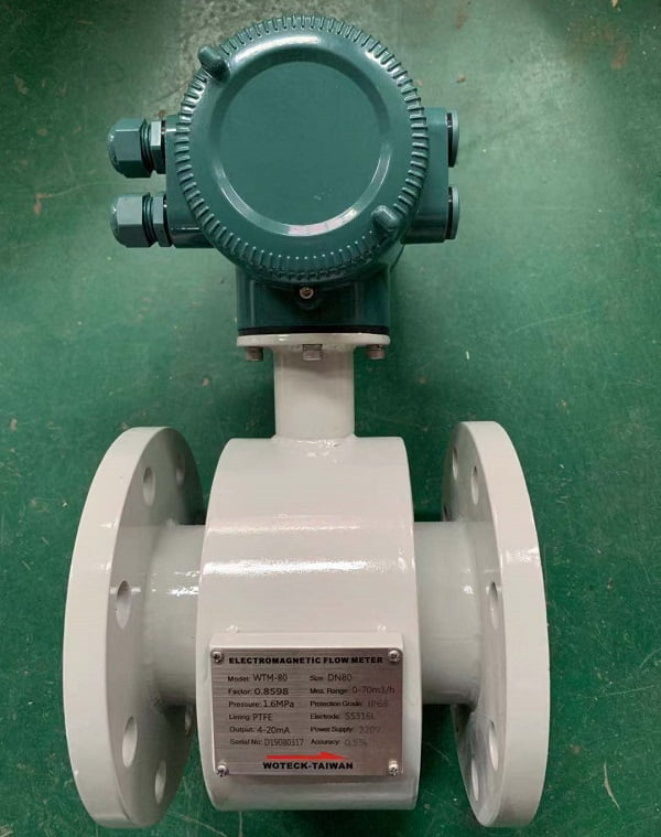 đồng hồ đo lưu lượng nước dạng điện tử đài loan woteck